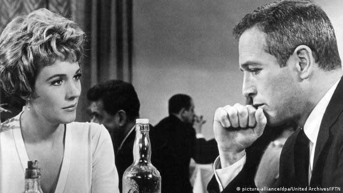 Image of torn curtain, with Julie Andrews and Paul Newman.