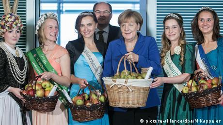 BdT Angela Merkel Apfelkorb Apfelkönigin Äpfel NRW Deutschland