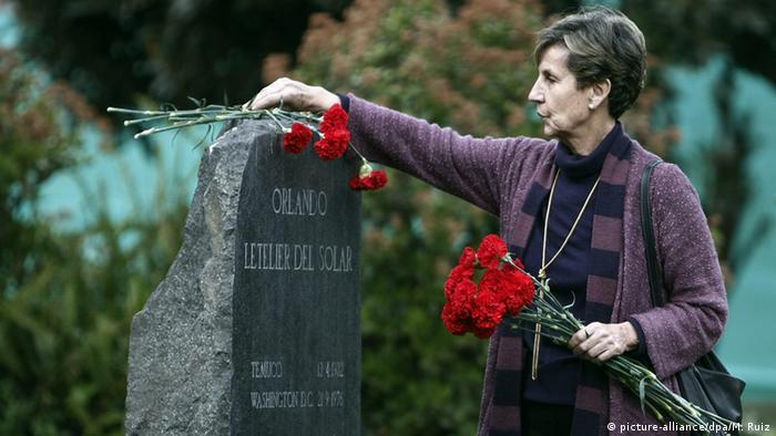 Ovo je Isabel Aljende, ćerka predsednika Čilea Salvadora Aljendea ubijenog u vojnom puču pod vođstvom Cije i generala Augusta Pinočea 11. septembra 1973.
