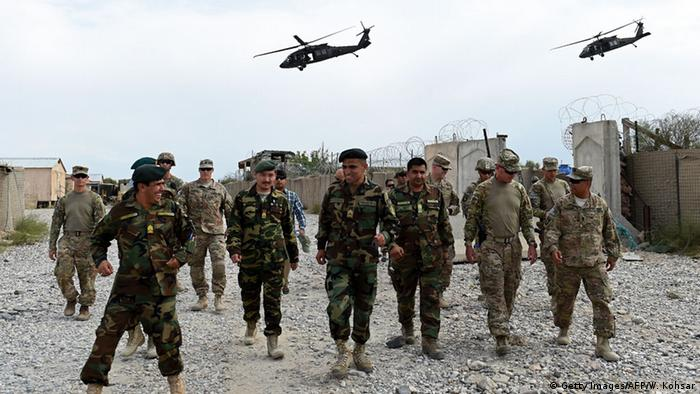 US- und afghanische Soldaten in Afghanistan (Getty Images/AFP/W. Kohsar)