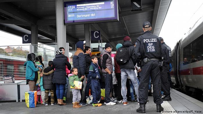 Deutschland Flüchtlinge am Passauer Bahnhof