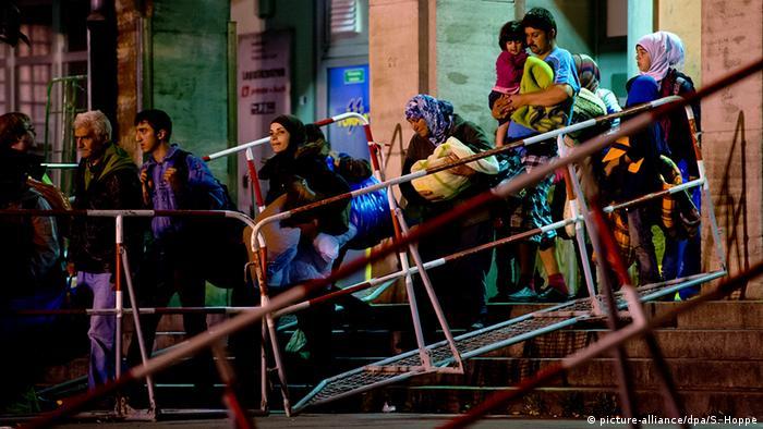 Deutschland Ankunft von Flüchtlingen am Bahnhof München