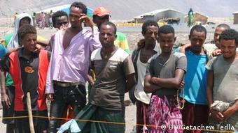 Äthiopien Bohrungen nach Wasser in Afar Einheimische