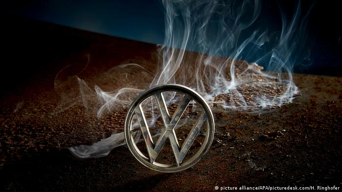 Volkswagen VW Logo (picture alliance/APA/picturedesk.com/H. Ringhofer)
