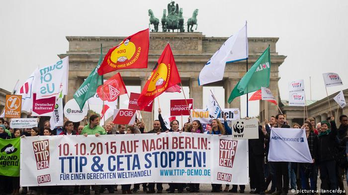 Demonstration in Berlin gegen die Handelsabkommen TTIP und CETA
