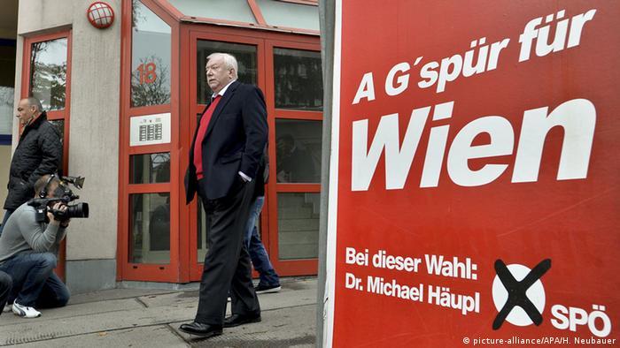 Österreich Wahlen Landtag Wien Bürgermeister Michael Häupl (picture-alliance/APA/H. Neubauer)