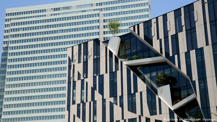 Deutschland Gebäude des Kö-Bogens in Düsseldorf