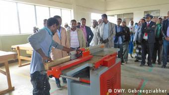 Eröffnung eines Ausbildungszentrum von Menschen für Menschen in Sheno, Äthiopien