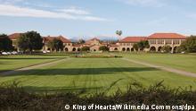 HANDOUT - Haupteingang der Stanford University, aufgenommen im Mai 2011. The Oval, Stanford University, Stanford, California. (zu dpa:US-Universität wirft von der Leyen Missbrauch von Hochschulnamen vor vom 11.10.2015) ACHTUNG: Nur zur redaktionellen Verwendung unter Berücksichtigung der Creative Commons Lizenz CC BY-SA 3.0 im Zusammenhang mit der Berichterstattung und der vollständigen Nennung der Quelle Foto: King of Hearts/Wikimedia Commons/dpa +++(c) dpa - Bildfunk+++