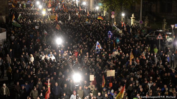 Marsch der Pegida durch die Dresdner Innenstadt (Foro: Reuters)