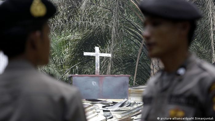 Indonesien Aceh Singkil Kirche Brandanschlag verbrannt Feuer Brandstiftung Kampf Christen Muslime