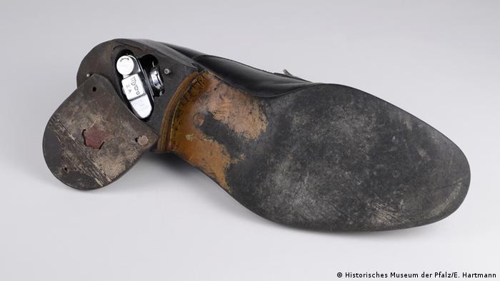 Тайник в ботинке