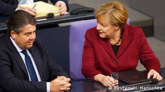 Deutschland Bundestag Angela Merkel und Sigmar Gabriel