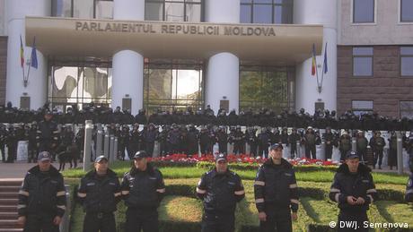 Бывший премьер-министр Молдавии схвачен натрое суток