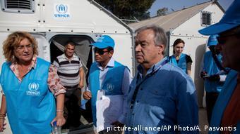 Гутерриш посещает лагерь для беженцев на греческом острове Лесбос