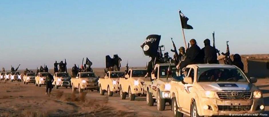Combatentes do EI cercaram base aérea em Aleppo no início de 2014