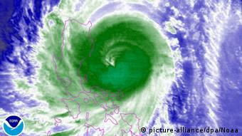 Philippinen Typhoon Koppu Satellitenbild