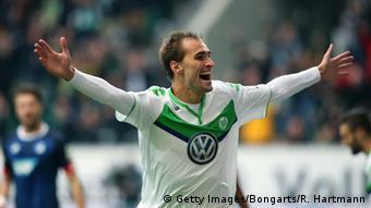 Ликующий футболист клуба Вольфсбург