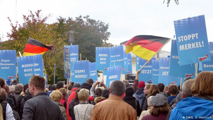AfD-Demonstration im Oktober 2015 in Freilassing (Foto: DW/D. C. Heinrich)