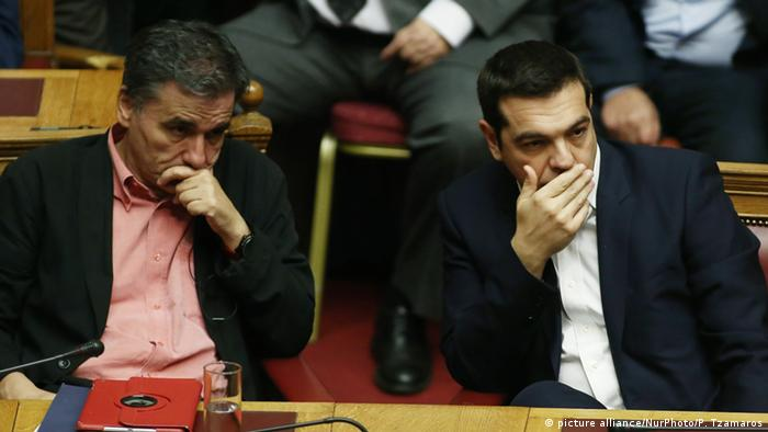 «Ακυβέρνητο πλοίο» θυμίζει η Ελλάδα