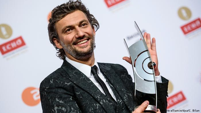 Jonas Kaufmann picked up a German Echo for singer of the year in 2015 (picture-alliance/dpa/C. Bilan)