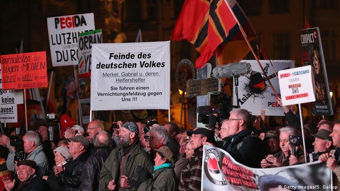 Deutschland Pegida Kundgebungen zum Pediga-Jahrestag in Dresden