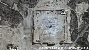 Satellite pictures from 2015 confirm the destruction of the Temple of Bel. Copyright: picture-alliance/AP Photo/UrtheCast