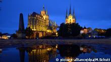 BdT Erfurt Deutschland Erfurter Dom Severikirche Scheinwerferlicht Nachtaufnahme