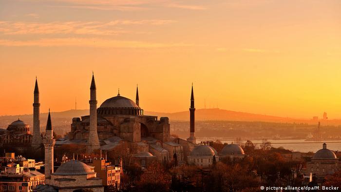 Türkei Hagia Sophia in Istanbul (picture-alliance/dpa/M. Becker)