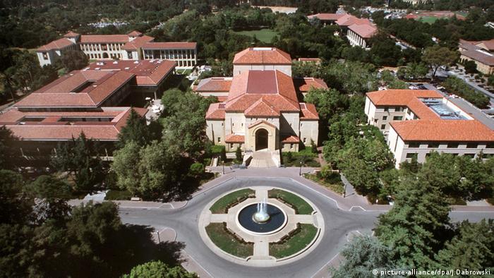 Stanford Universität in Kalifornien USA Gebäude Außenaufnahme (picture-alliance/dpa/J.Dabrowski)
