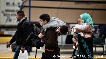 AB, Türkiye'nin sığınmacıları baskı aracı olarak gördüğünü ileri sürüyor