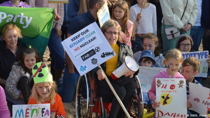 Großbritannien Protest gegen den Bau von neuem Atommeiler bei Sophie Weaver