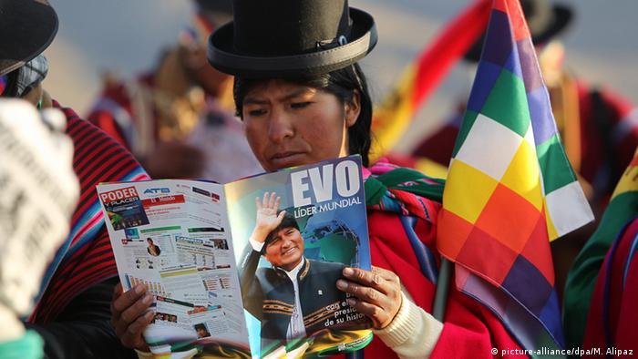 Bolivien Präsident Evo Morales Feier längste Präsidentschaft (picture-alliance/dpa/M. Alipaz)