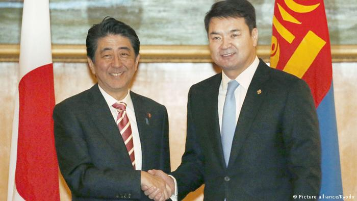 Shinzo Abe zu Besuch in der Mongolei