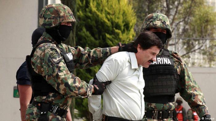 Chef des Sinaloa-Kartells Joaquin Guzman wird abgeführt