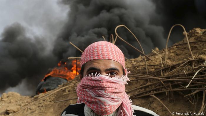 Zusammenstöße in Gaza zwischen Palästinensern und israelischen Soldaten (Reuters/I. A. Mustafa)