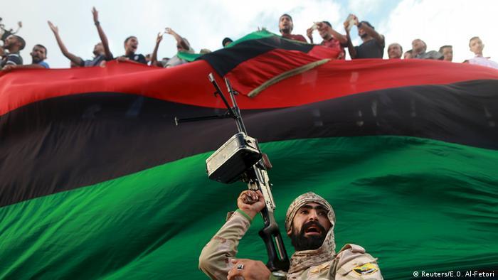 Demonstration in Bengasi Libyen Militärschutz