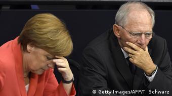 «Hρεμιστικό χάπι για τους βουλευτές του CDU η υπόσχεση Σόιμπλε για συμμετοχή του ΔΝΤ», τονίζει ο αντιπρόεδρος της Κ.Ο. του SPD