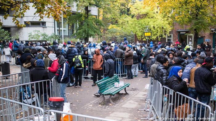 Deutschland Flüchtlinge vor LaGeSo
