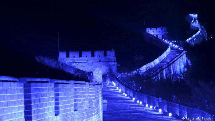Noapte pe Zidul Chinezesc (Reuters/L. Sanxian)