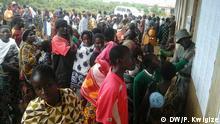 25.10.2015 Wähler in Kasulu, Kigoma, Tansania Copyright: DW/P. Kwigize via Elizabeth Shoo, DW News