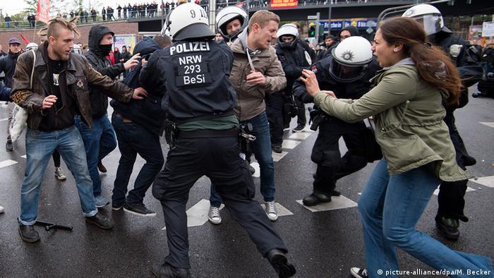 HOGESA Demonstration und Gegendemonstration Köln