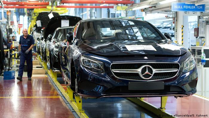 Deutschland gute Konjunktur trotz VW Skandal Symbolbild (picture-alliance/dpa/S. Kahnert)