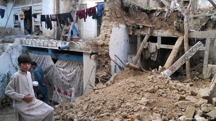 Um forte terremoto de 6.6 atingiu o Afeganistão