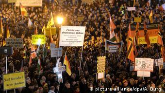 Deutschland Dresden Pegida Anhänger
