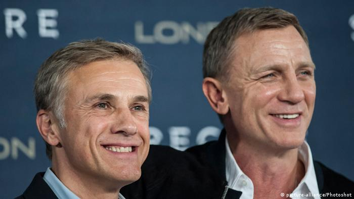 James Bond movie cast Christoph Waltz and Daniel Craig (Copyright: picture-alliance/Photoshot)