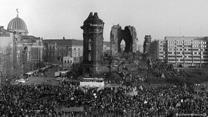 Dresden Frauenkirche Großkundgebung