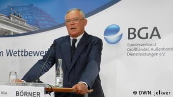 Η επαναφορά συνοριακών ελέγχων μεταξύ Ιταλίας και Αυστρία στο πέρασμα του Μπρένερ θα έπληττε και τη γερμανική οικονομία, υπογραμμίζει ο Άντον Μπέρνερ