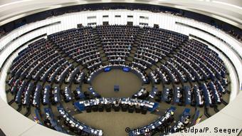 Brüssel Europäisches Parlament Abstimmung Roaming-Gebühren