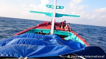 Oι αποβιβάσεις γίνονταν με πολύ μικρά σκάφη για να μην κινηθούν υποψίες